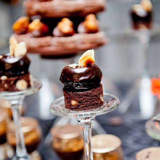 Dessert van puur chocolate-Dessert of dark chocolate